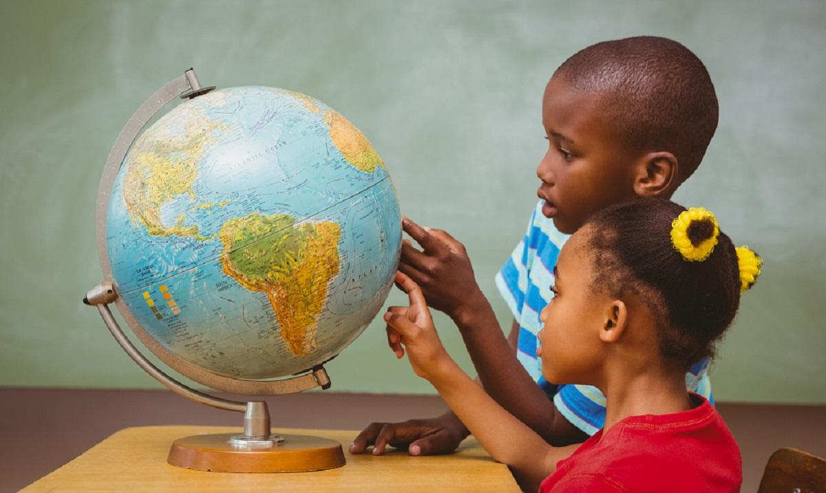 Kids-Globe_Depositphotos